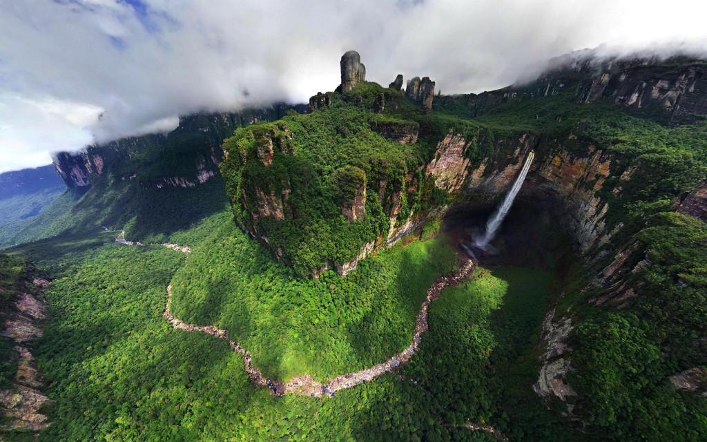 zmejski-vodopad